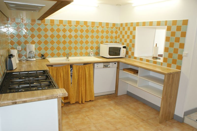 Separate kitchen Location Vacation rental 108202 La Rochelle