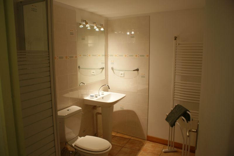 Half bath 1 Location Vacation rental 108202 La Rochelle