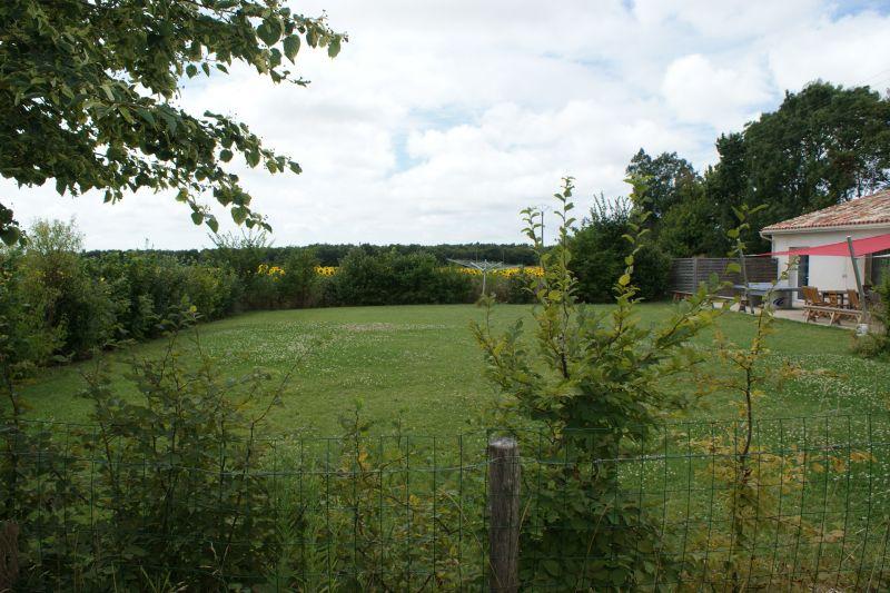 Garden Location Vacation rental 108213 La Rochelle
