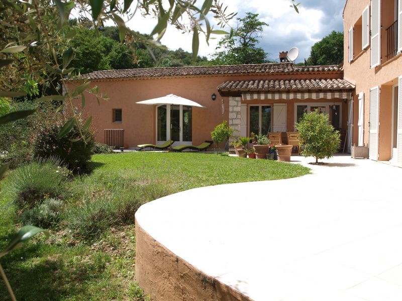 View of the property from outside Location One-room apartment 108991 Cagnes sur Mer