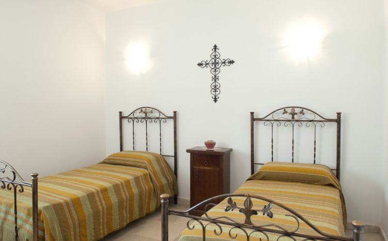 bedroom 2 Location Villa 63775 Ostuni