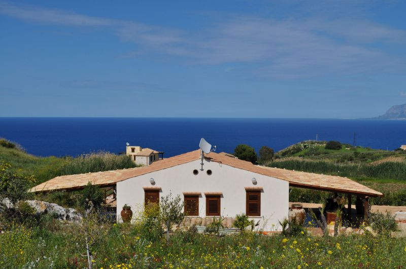View of the property from outside Location Villa 66027 Scopello