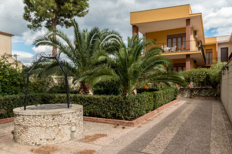 View of the property from outside Location Villa 77117 Fontane Bianche