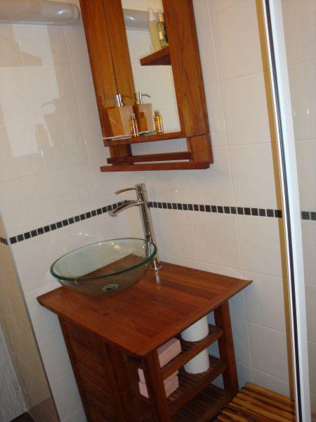 Half bath Location One-room apartment 80530 Samoëns