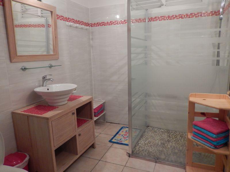 bathroom Location Apartment 82066 Saint Francois