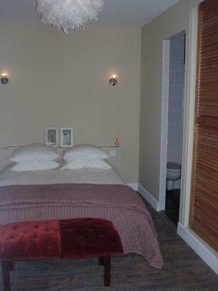 bedroom 1 Location Villa 96642 Arcachon