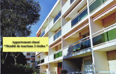 Location Apartment 10095 Bormes Les Mimosas