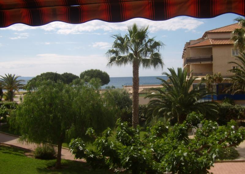 View from the balcony Location Apartment 10359 La Londe les Maures