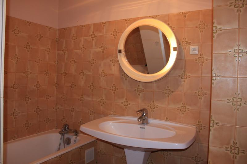 bathroom Location Apartment 10782 Cabourg