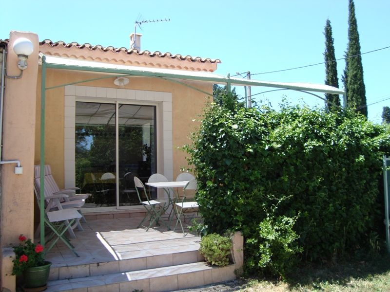 View of the property from outside Location Vacation rental 11846 Saint Rémy de Provence