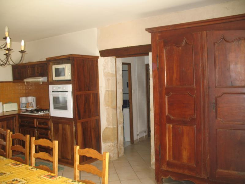 Separate kitchen Location House 12399 Les Eyzies de Tayac