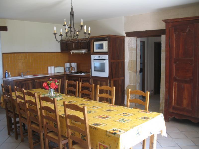 Separate kitchen Location House 12399 Les Eyzies de Tayac