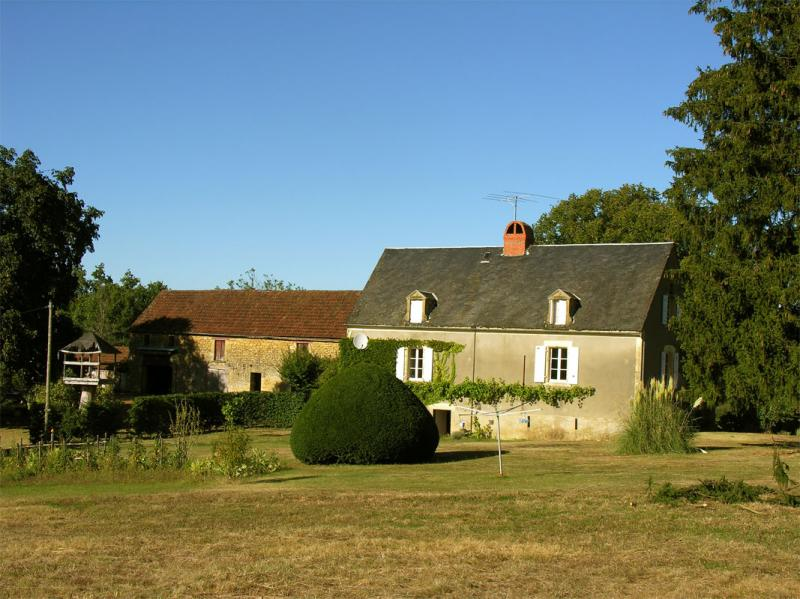 View of the property from outside Location House 12405 Sarlat