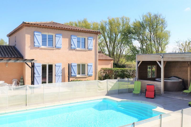 Location Vacation rental 13005 Carcassonne