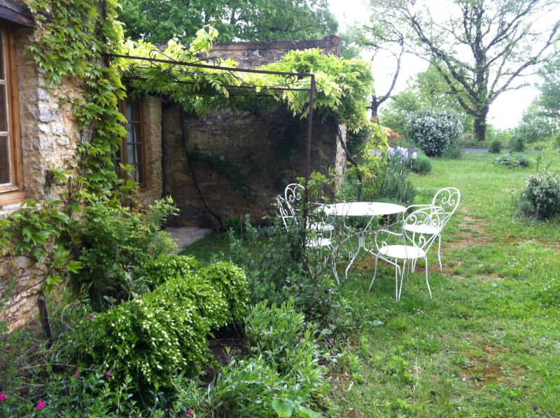 View of the property from outside Location Vacation rental 13545 Sarlat