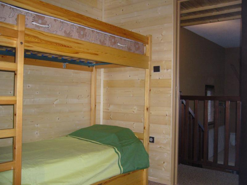 Open sleeping nook Location One-room apartment 14569 Les Orres
