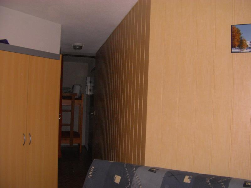Open sleeping nook Location One-room apartment 1577 Molines Saint-Véran