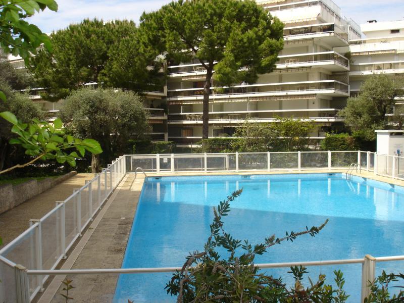 Swimming pool Location Apartment 16441 Juan les Pins