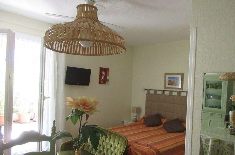 bedroom Location One-room apartment 18749 Amélie-Les-Bains