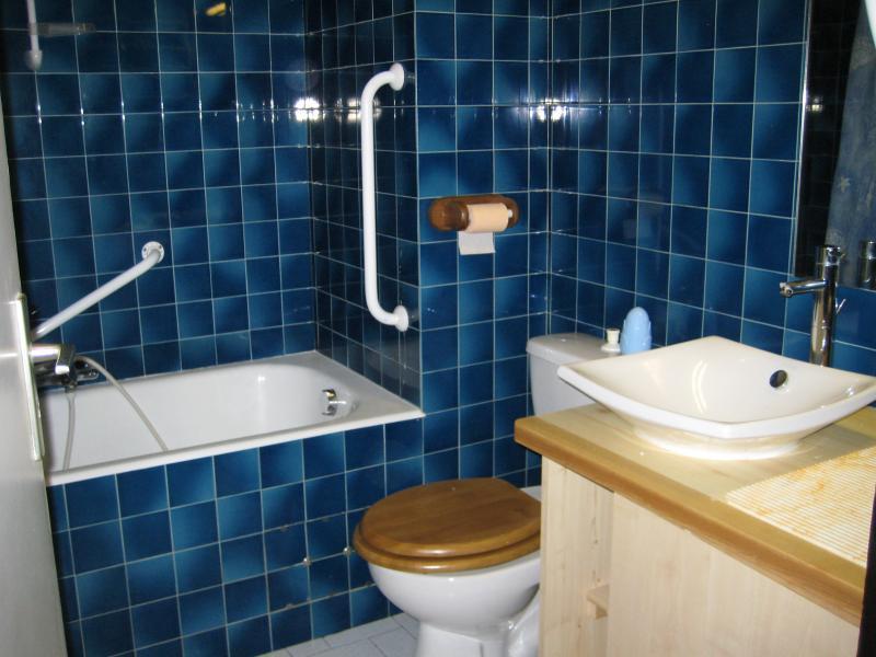 bathroom Location One-room apartment 1938 Morzine