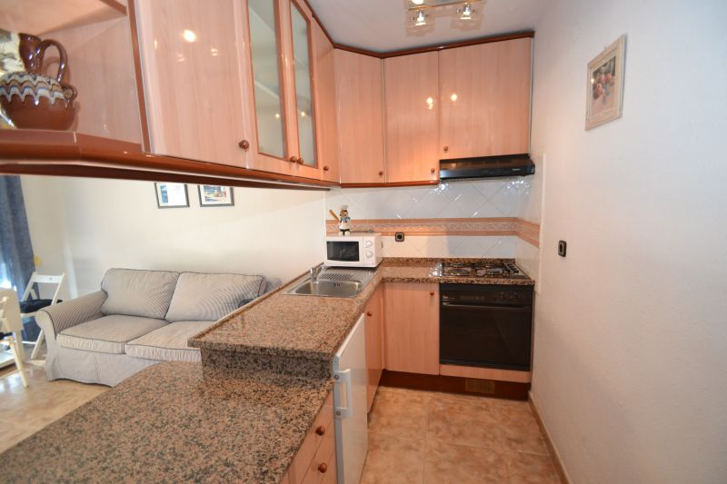 Open-plan kitchen Location Apartment 19869 Cambrils