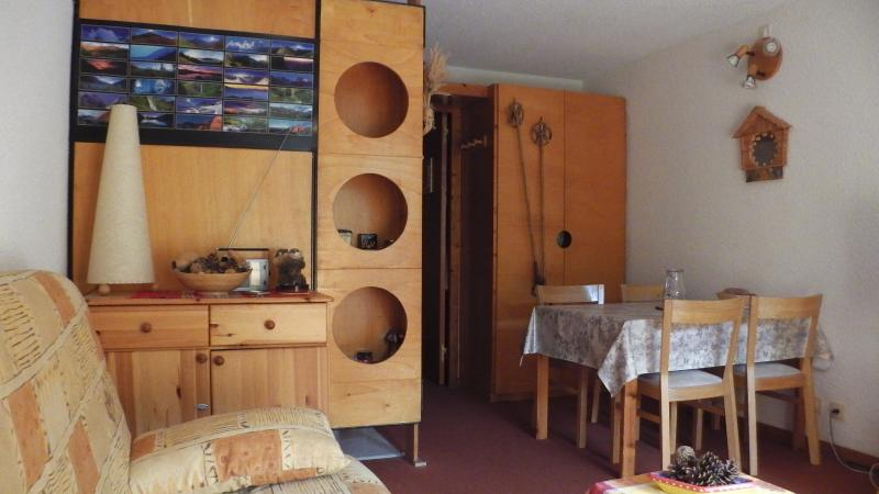 Kitchenette Location One-room apartment 2095 Les Orres