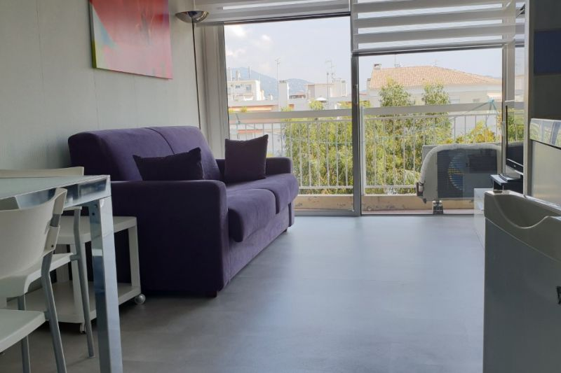 Lounge Location One-room apartment 21996 Nice