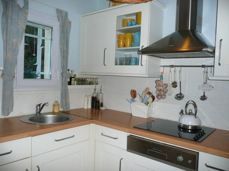 Separate kitchen Location House 22491 Sainte Maxime