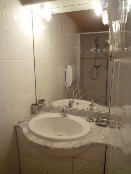 bathroom 2 Location Chalet 2379 Praz de Lys Sommand