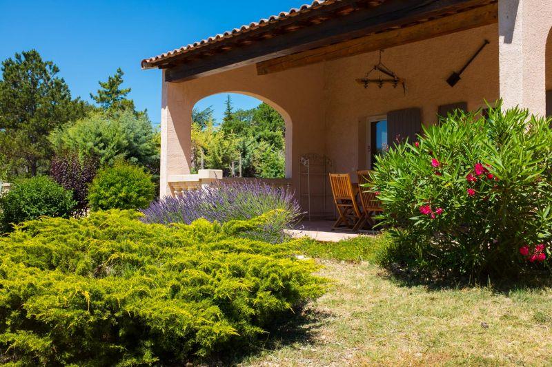 View from the terrace Location Villa 24563 La Tour d'Aigues