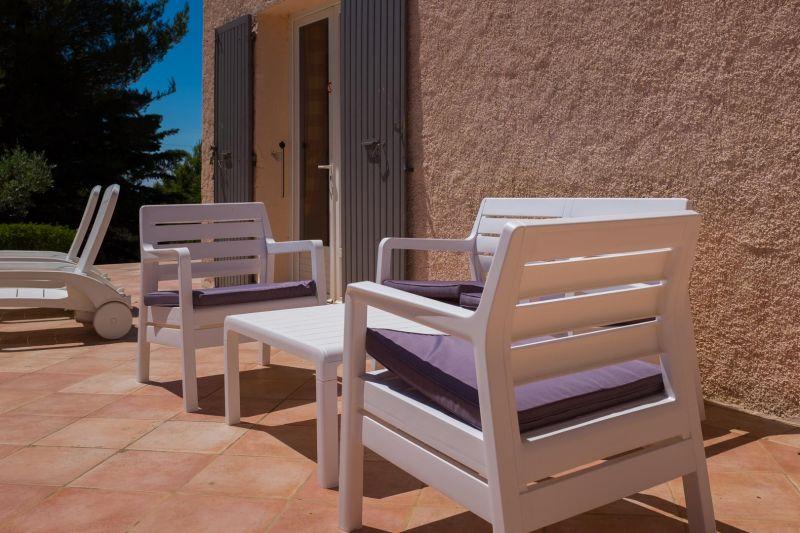 Terrace Location Villa 24563 La Tour d'Aigues