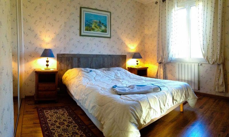 bedroom 1 Location Villa 24563 La Tour d'Aigues