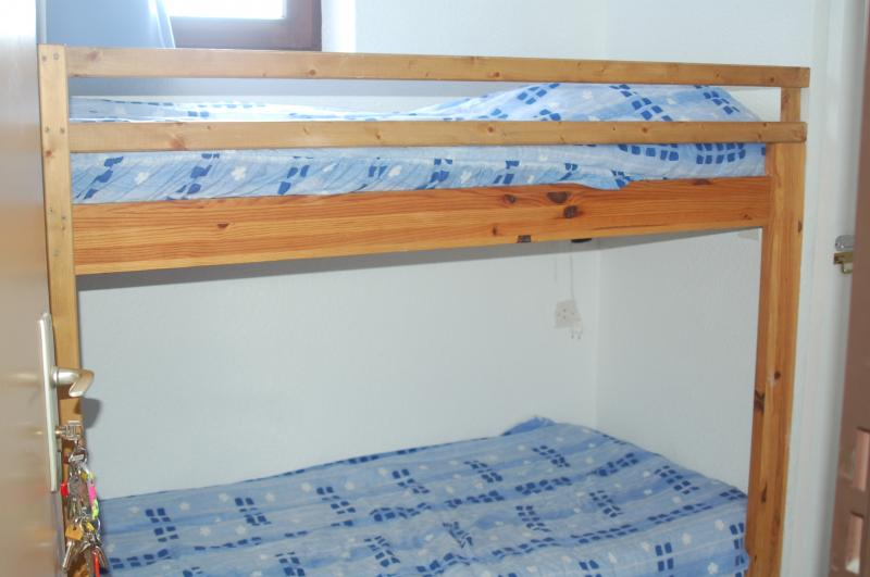 Open sleeping nook Location One-room apartment 2464 La Rosière 1850