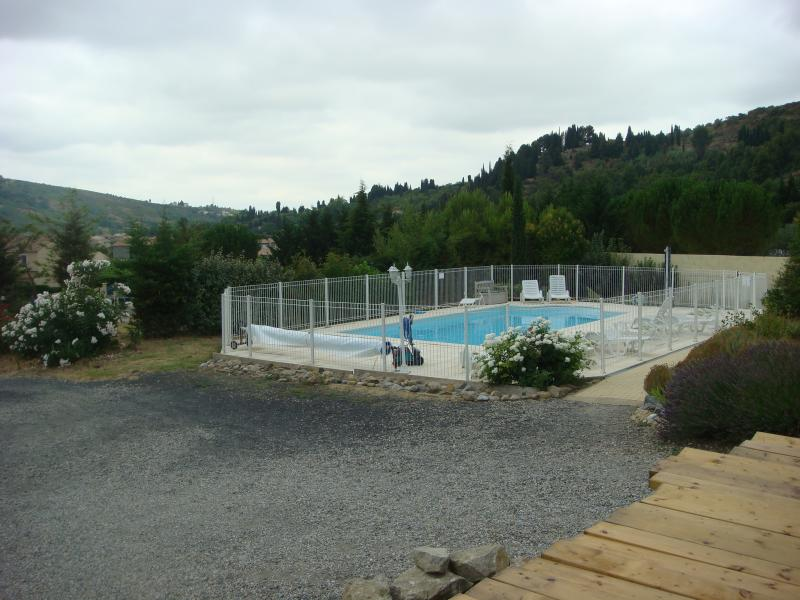 Swimming pool Location Vacation rental 26195 Carcassonne