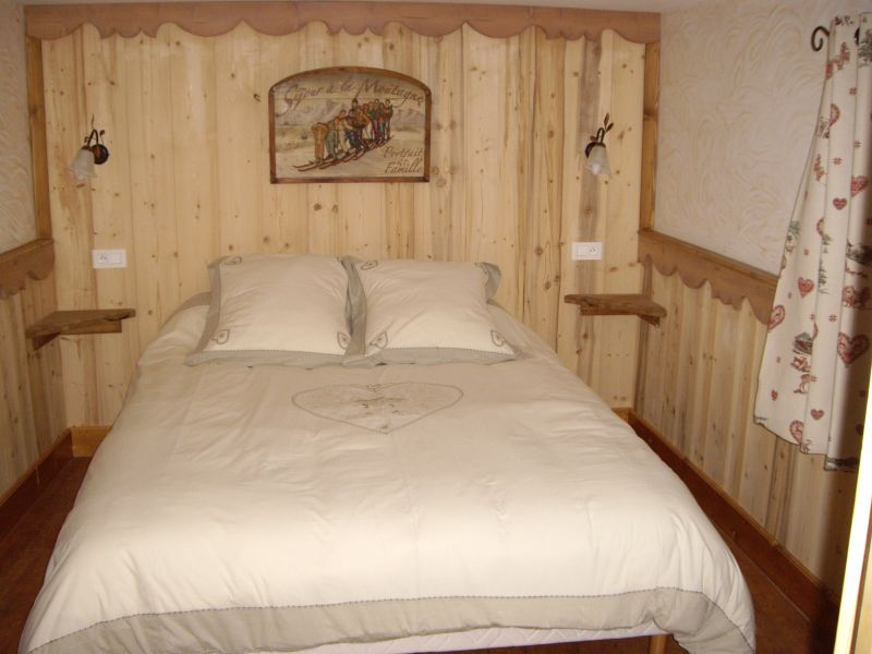 bedroom 1 Location Chalet 26775 Les Menuires