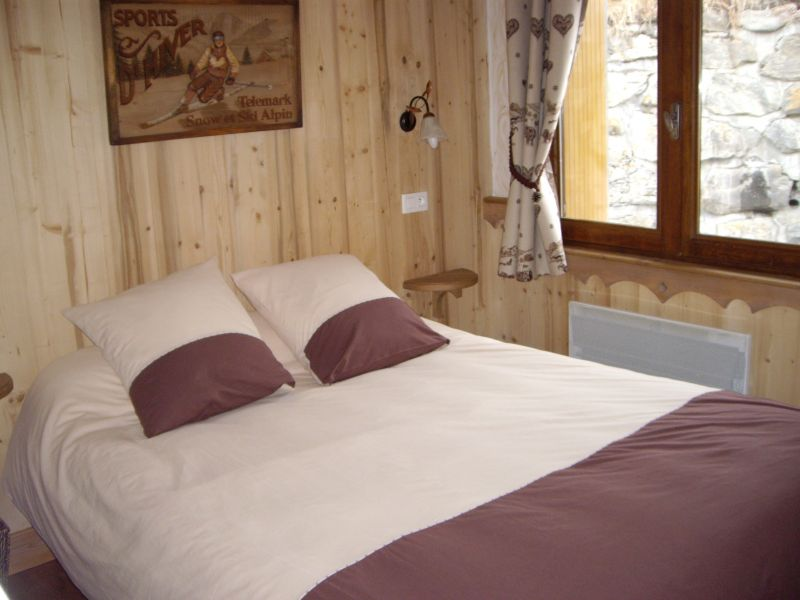 bedroom 2 Location Chalet 26775 Les Menuires