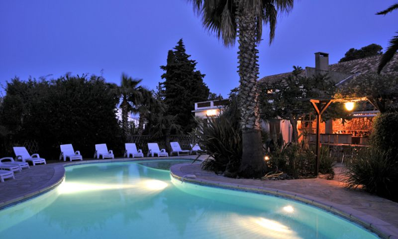 Swimming pool Location House 27424 Narbonne