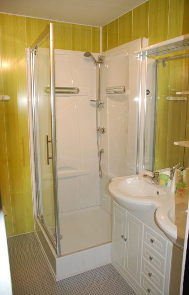 Half bath Location Apartment 28715 La Mongie
