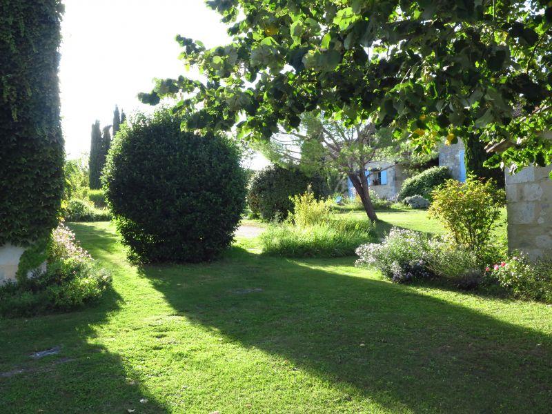 Garden Location Vacation rental 28762 Monpazier