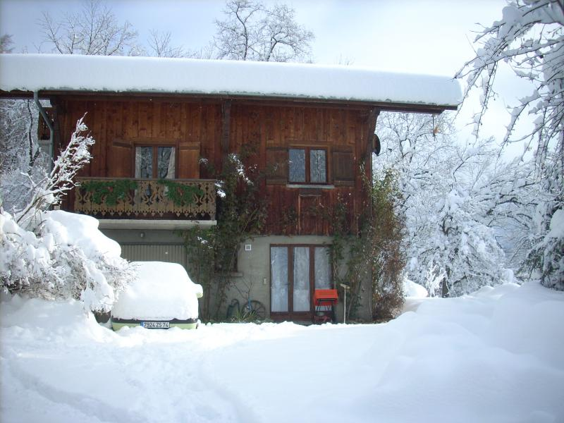 View of the property from outside Location Apartment 28936 Samoëns