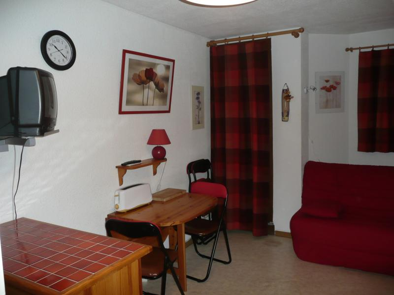 Lounge Location One-room apartment 29051 Cauterets