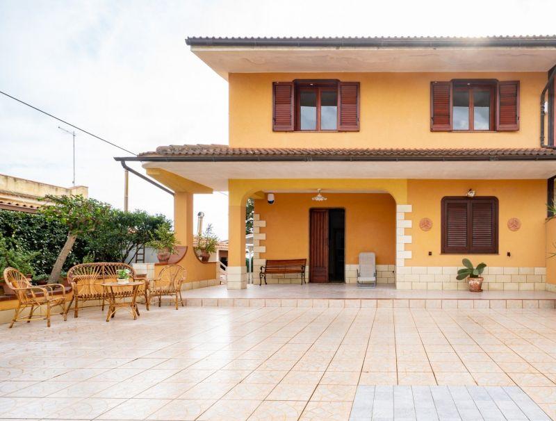 Hall Location Villa 30459 Noto