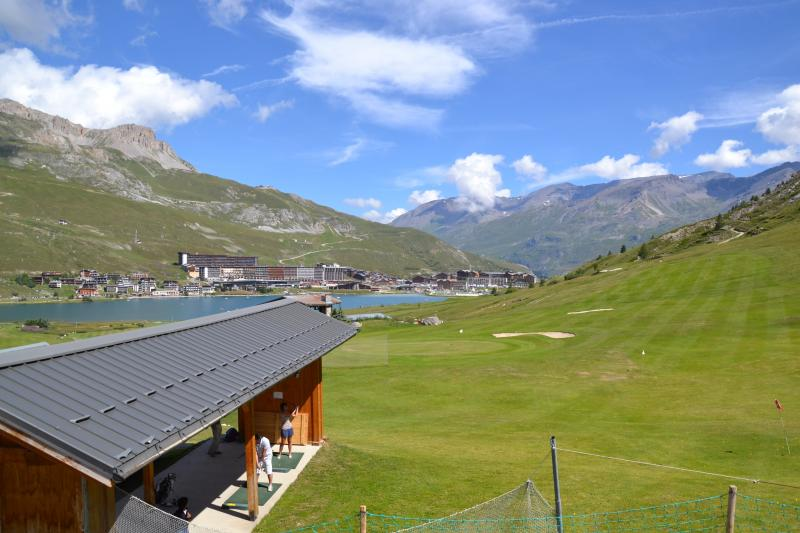 Surroundings Location One-room apartment 3137 Tignes