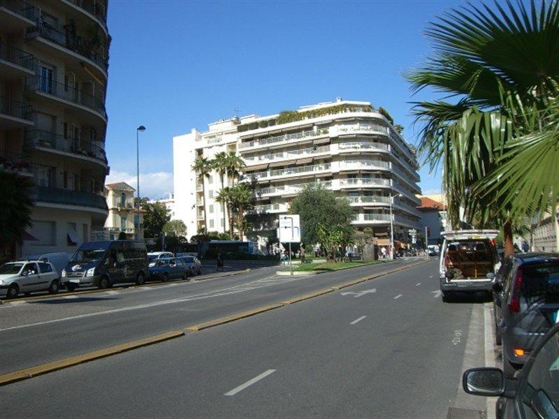 Surroundings Location One-room apartment 35014 Nice