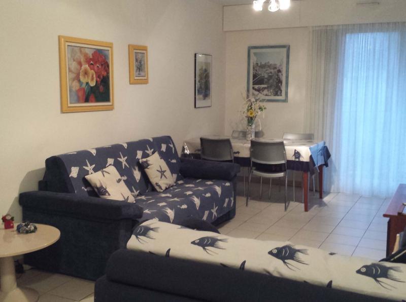 Living room Location Apartment 35730 Menton