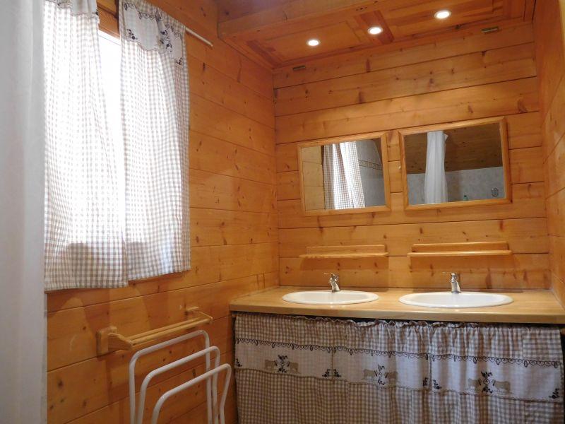 bathroom 1 Location Chalet 38653 Les Orres
