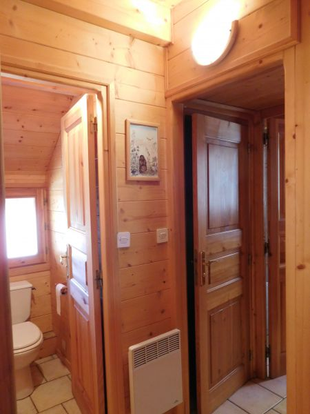 Bathroom w/toilet only 1 Location Chalet 38653 Les Orres