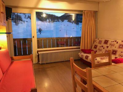 Location One-room apartment 38929 Montgenevre