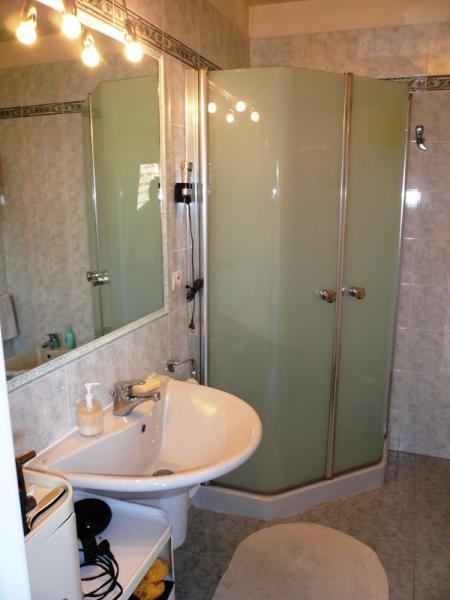 bathroom Location Apartment 40052 Menton