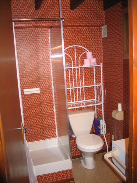 bathroom Location One-room apartment 4058 Cauterets